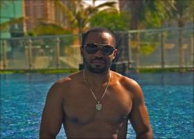 Business Bay Dubai Tyrone Smith Music Positive